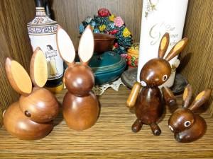 Ostern bei uns im Wohnzimmer - Schrank.