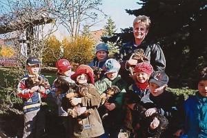 Das als Vorspann - Enkeltochter Antonia (vorn roter Hut) damals mit ihrer Kindergartengruppe hier.