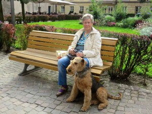 Eine kleine Pause vor dem Dom in Innsbruck, wir haben auch viel besichtigt, und Nessy hat viele Hundebekanntschaften gemacht.