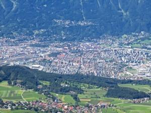 Mit der Kabinenbahn geht's hoch zum Patscherkofel, dem Hausberg Innsbrucks, und von da die herrliche Aussicht auf die Stadt.