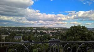 Genau hinschauen, man sieht es doch, vom Hotel aus einen Blick auf Paris.