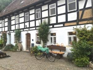 Das Grundstück, das Haus, das neue Umfeld von Robin bei Riesa.