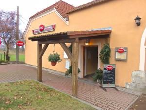 Die Hinfahrt von uns aus durch die tschechische Republik über Prag nach Linz und Wels - Mittagessen unterwegs!