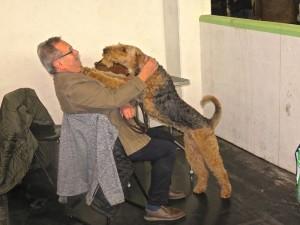 Ziel doch nicht erreicht - der Hund tröstet das Herrchen - nächstes Mal wird es besser!