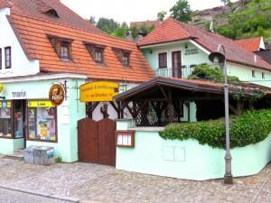 Klein, einfach, Restaurant im Haus, Parkplatz, Stadtzentrum10 min